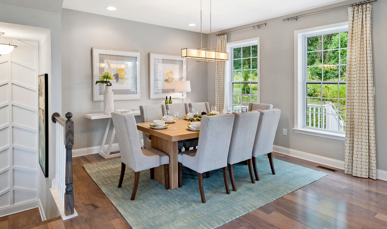 10 Things to Include in Your Dining Room